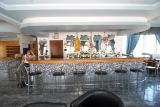 facilities zeus hotel bar